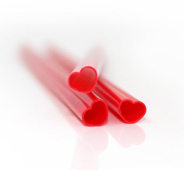 idée cadeau vtc pour la saint valentin pailles en forme de coeur